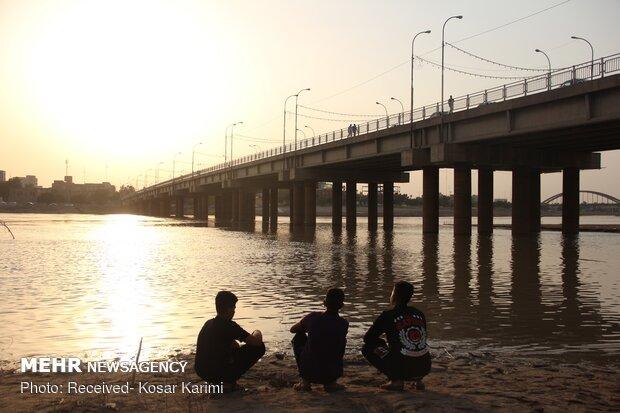 Karun River water level dwindles under burning sun