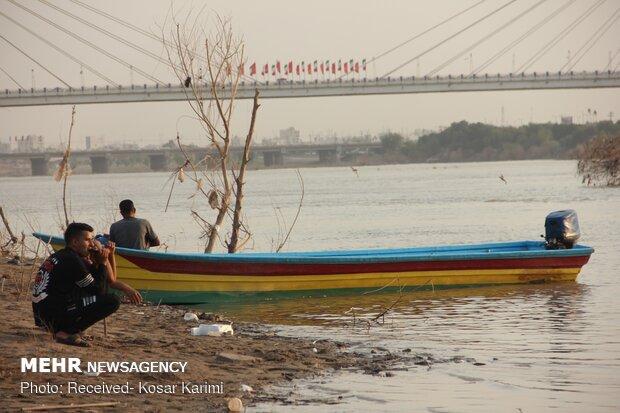تراجع منسوب المياه في نهر كارون في الأهواز
