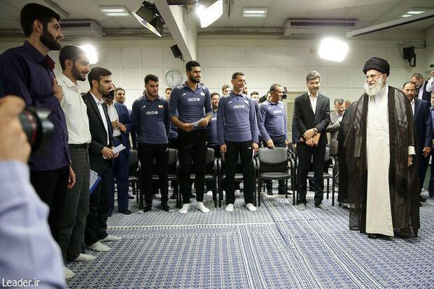 Leader receives Iran U21 volleyball team along with science olympiads medalists