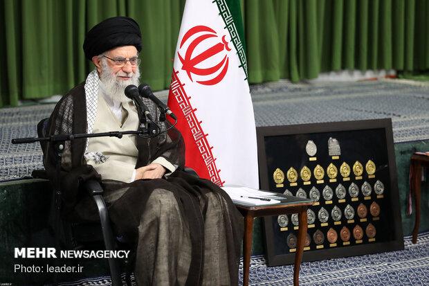قائد الثورة الإسلامية: سنكمل مسيرة تطورنا دون توقف