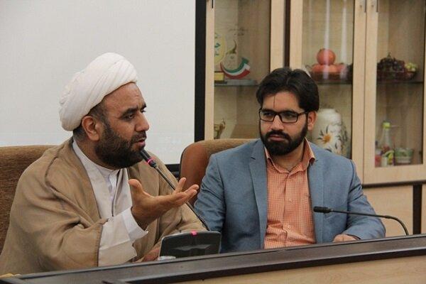 تحکیم بنیان خانواده با انتشار هنرمندانه پیامهای قرآن