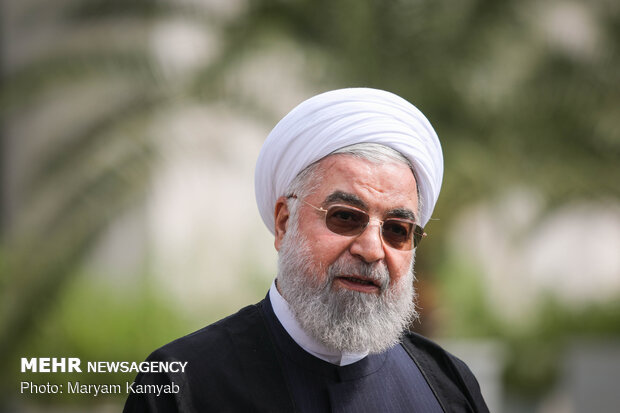 Pres. Rouhani meets reporters on Nat. Journalists' Day