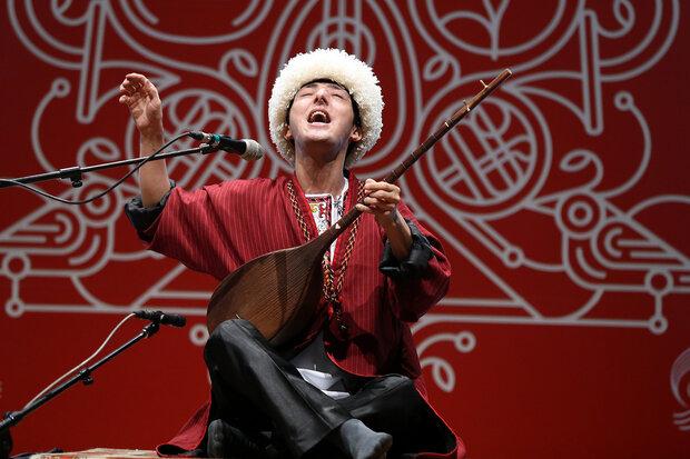 هنرمندان ترکمن و کتول در روز حضور آقای معاون هنرنمایی کردند