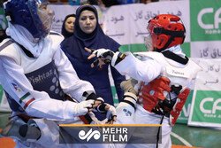VIDEO: Iranian female taekwondo fighter defeats S Korean opponent