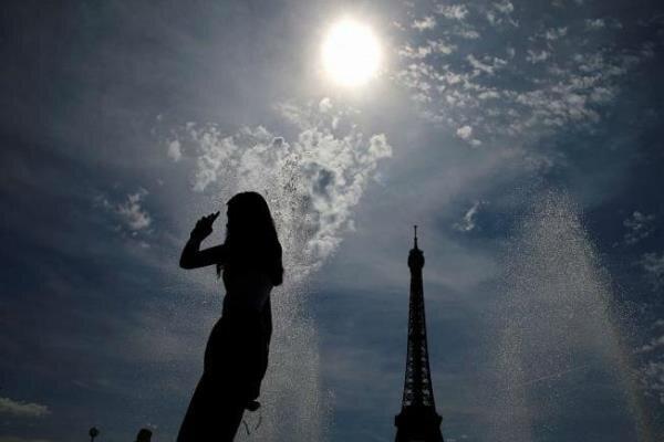 فرانسه و معضل آزار خیابانی/ ۷۰۰ مورد جریمه در یک سال