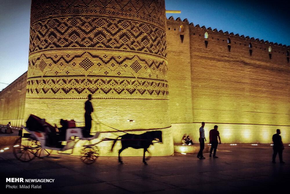 """Şiraz'daki """"Kerim Han Kalesi""""ne minik bir yolculuk"""
