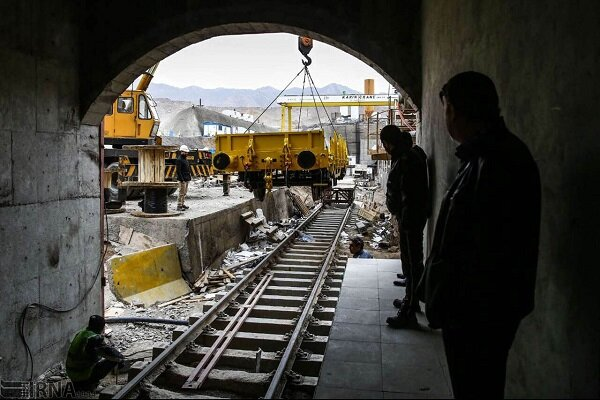 Iranian delegation visits Iraq to discuss joint railway project