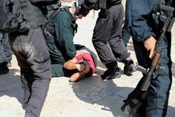 مجروحیت یک جوان فلسطینی به ضرب گلوله نظامیان صهیونیست