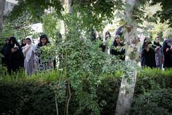 تہران یونیورسٹی کی مسجد میں دعائے عرفہ کے روح پرور مناظر