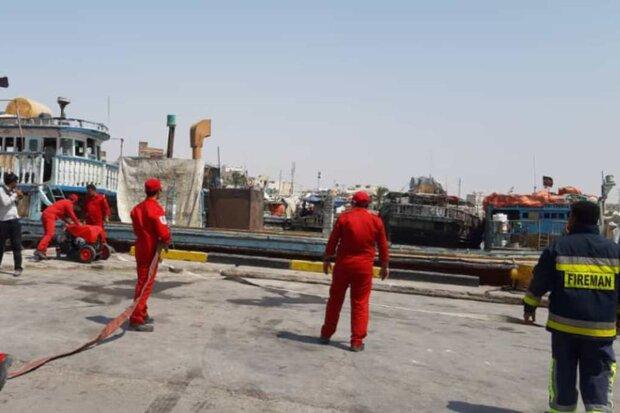 مانور امداد و نجات دریایی در گناوه برگزار شد