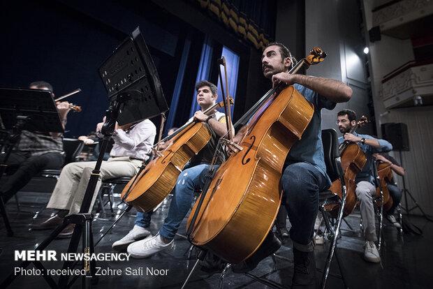 تمرین ارکستر ملی ایران به رهبری سهراب کاشف