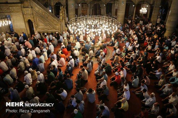 اقامه نماز عید سعید قربان در مسجدایوب سلطان استانبول