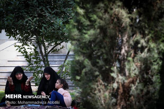 مراسم دعای عرفه در مسجد دانشگاه تهران