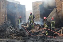آتش سوزی در بازار کهنه قم مهار شد