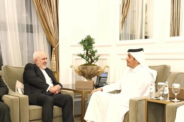 Iranian, Qatari FMs confer on bilateral ties in Doha