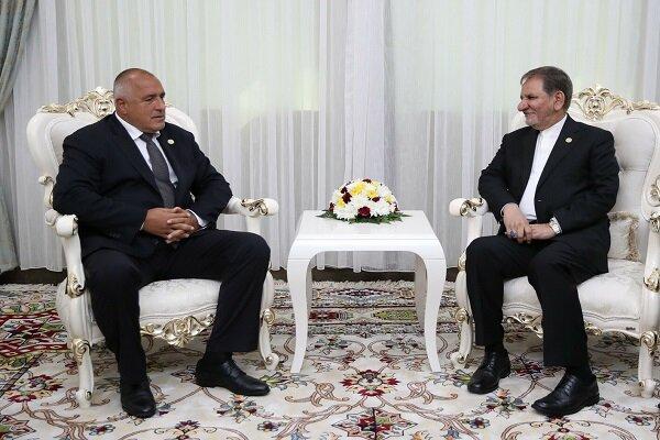 النائب الأول لرئيس الجمهورية يؤكد الحاجة إلى تعزيز التجارة والترانزيت مع بلغاريا
