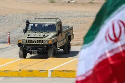 """القوات المسلحة الايرانية تستلم مركبة """"ارس 2"""" العسكرية المصنوعة محليا"""