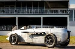 مرسدس خودروی ۱۹۳۲ خود را بازسازی کرد