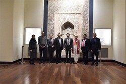 Nicaragua's finance minister visits National Museum of Iran