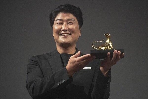 یک آسیایی جایزه برتری لوکارنو را برد/ تجلیل از بازیگر «پارازیت»