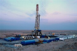 NIOC, local firm sign contract on Yaran oilfield development
