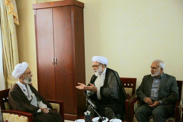 دیدار تولیت آستان قدس رضوی با آیتالله مصباح یزدی در مشهد