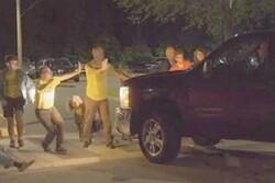 مامور مرزی آمریکا با خودرو به معترضان حمله کرد
