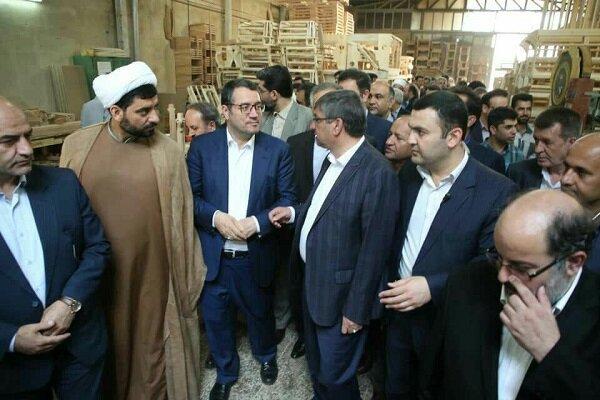 وزیر صنعت از نخستین شهرک صنعتی مبلمان کشور بازدید کرد