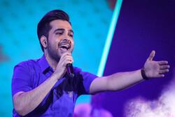 شصتمین کنسرت فرزاد فرخ برگزار شد/ قدردانی از طرفداران ۶۰ ساله