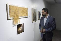 معاون هنری ارشاد از نمایشگاه «خانم و آقای هنرمند» دیدن کرد