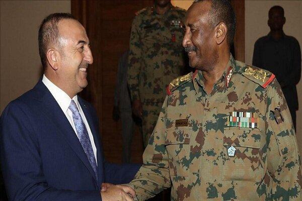 دیدار چاوشاوغلو با رئیس شورای نظامی انتقالی سودان