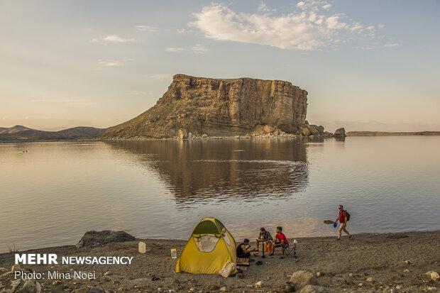 دریاچه ارومیه عمیق شد/کاشت گیاهان دارویی در حوضه آبریز دریاچه