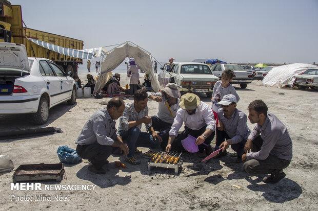 مسافران تابستانی دریاچه ارومیه