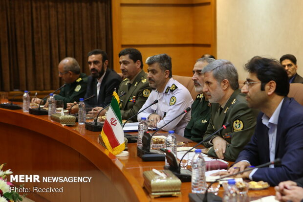 Iranian, Iraqi ministers meet in Tehran