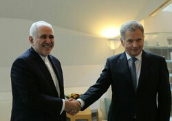 FM Zarif, Finnish president meet in Helsinki
