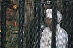Sudan'ın devrik lideri Ömer El Beşir'e 10 yıl hapis cezası