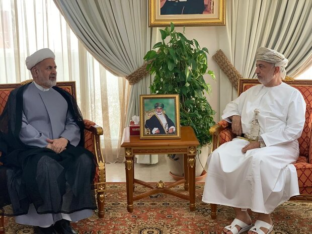 Iran envoy, Omani minister discuss expansion of bilateral ties