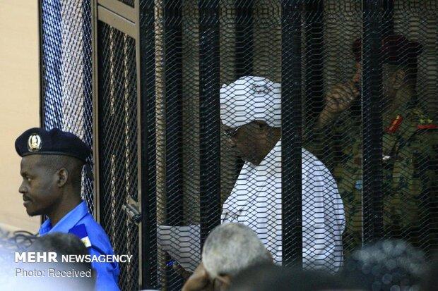 عمر البشیر در دادگاه