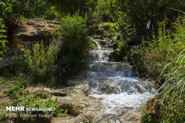 سفر به آبشار  چم چیت
