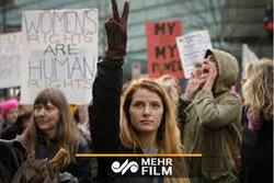 کتک خوردن خبرنگار مکزیکی از ضدفمینیستها