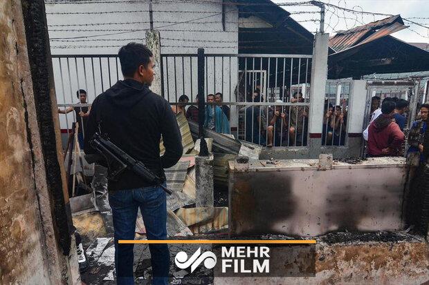 فیلمی از فرار زندانیان اندونزیایی در اثر آتشسوزی