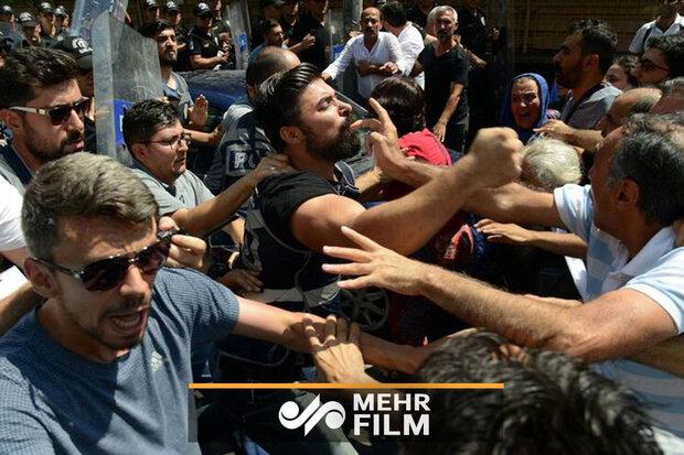 Türk polisinden protestoculara sert müdahele