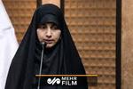 شعرخوانی دختری درباره امام کاظم(ع) در حضور رهبرانقلاب