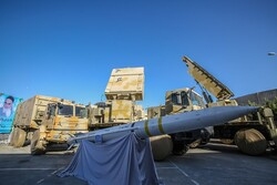 İran yerli üretim hava savunma sistemini tanıttı