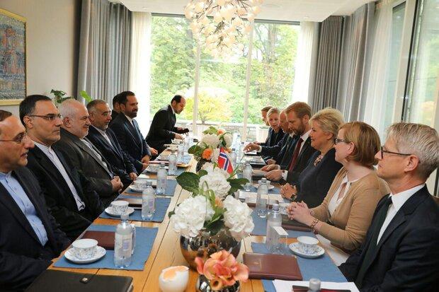 Zarif, Norveç Başbakanı ile görüştü