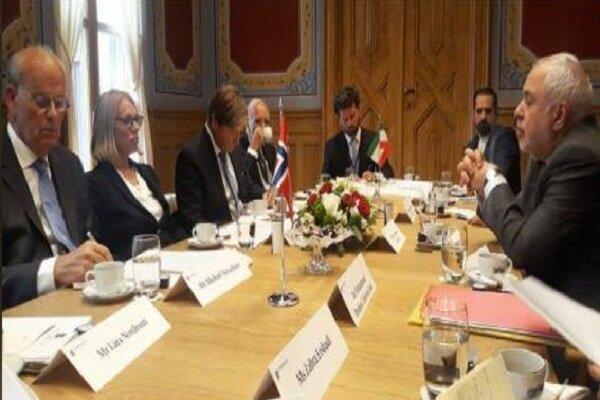 ظریف با رئیس کمیسیون سیاست خارجی و دفاعی پارلمان نروژ دیدار کرد