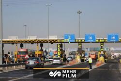 اعتراض رانندگان به زیاد شدن عوارض آزادراه  پل زال _ خرم آباد