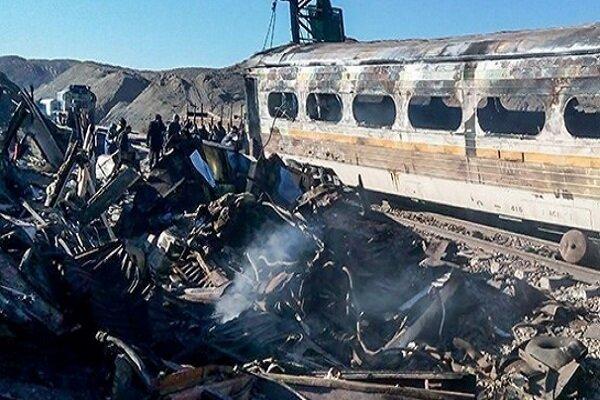 آتش سوزی واگنهای مسافری مهار شد/ علت آتش سوزی مشخص نیست,