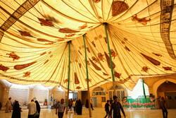 برافراشتن خیمه عزاداری محرم در صحن امامزاده موسی مبرقع (ع)
