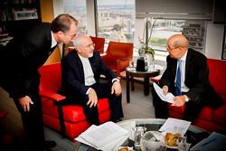فرانسه برنامهریزی برای دیدار ظریف و ترامپ را رد کرد
